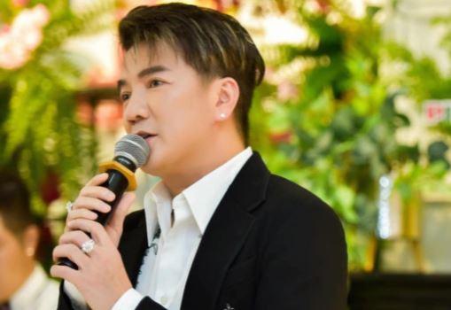 Đàm Vĩnh Hưng bức xúc nhắc nhở ca sĩ trẻ: 'Mình phải tự trọng'